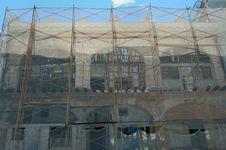 Free Crumbling Havana Building Stock Image - 6819351