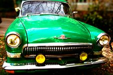 Free Green Old-fashioned Car Royalty Free Stock Photography - 6826537