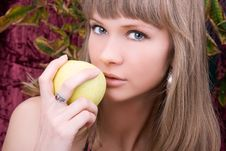 Free Young Woman With Fresh Apple Royalty Free Stock Photography - 6827187