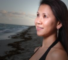 Free Beautiful Woman Staring At A Light Royalty Free Stock Photos - 6827448
