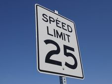 Free Speed Limit 25MPH Royalty Free Stock Photos - 6828088