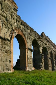 Free Aqueduct Arches Stock Photos - 6828223