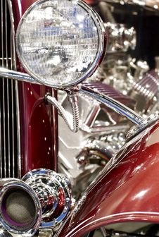 Free Classic Car Headlight Royalty Free Stock Image - 6828516
