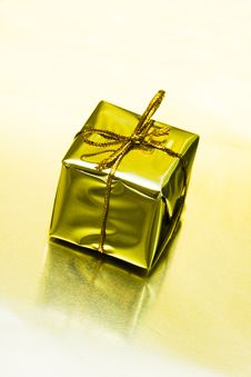 Free Gift Box Royalty Free Stock Image - 6828616