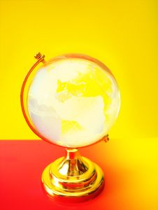 Free Glass Globe Of The World Royalty Free Stock Photography - 6828657