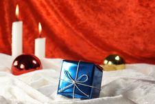 Free Christmas Present Royalty Free Stock Photo - 6835295
