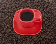 Free Coffee, Red Cup With Coffee Beans Royalty Free Stock Photos - 6836598