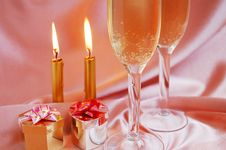 Free Pair Of Champagne Flutes Royalty Free Stock Photos - 6837098