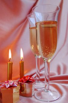 Free Pair Of Champagne Flutes Stock Photos - 6837193