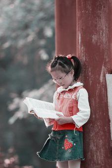Free Reading Girl Stock Photo - 6839960