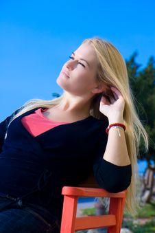 Free Beautiful Blondy Sitting Stock Photography - 6841802