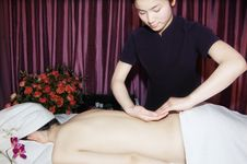 Massage In Beauty Salon Royalty Free Stock Photography