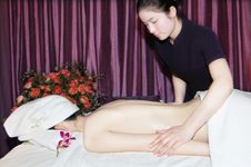 Free Massage In Beauty Salon Royalty Free Stock Photo - 6842265