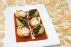 Free Conchiglioni Pasta Stuffed Stock Image - 6846021