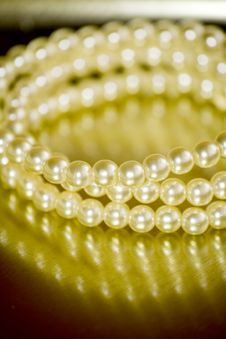 Free Pearl Bracelet Stock Photo - 6846310