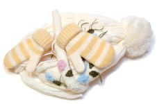Free Winter Wool Knitted Cap And Mittens. Royalty Free Stock Image - 6846606