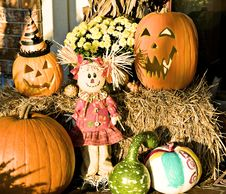 Free Scarecrow, Pumpkins And Gourds Royalty Free Stock Photo - 6850775