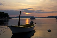 Free Boat In The Rays Of Sunset Stock Photography - 6851432