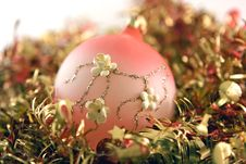 Free Xmas Tree Decorations Stock Photography - 6852112