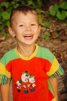 Free The Boy Laughs Royalty Free Stock Photos - 6853658