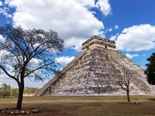 Free Mayan Pyramid At Chichen Itza Stock Photography - 6854822