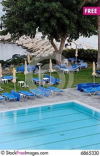 Free Swimming Pool Stock Photo - 6865330