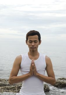 Free Yoga Man Royalty Free Stock Images - 6860719
