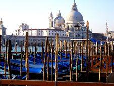 Free Gondola Dock Canal Venice Stock Image - 6862811