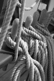 Free Hemp Rope Rigging Royalty Free Stock Photography - 6867537