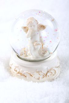 Free Angel In Glass Sphere Stock Image - 6867611