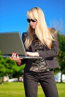 Free Businesswoman With Laptop Stock Photo - 6868210