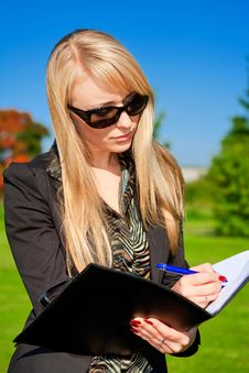 Free Businesswoman With Folder Stock Photo - 6868230