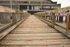 Free Walkway To Green Warehouse Royalty Free Stock Image - 6869386