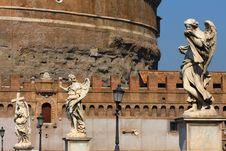 Free Sculpture On Sant Angelo Bridge In Rome Royalty Free Stock Images - 6869979
