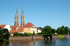 Free Wroclaw With Odra River And Cathedral Royalty Free Stock Image - 6872666