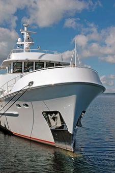 Free Luxury Yacht Stock Images - 6874104