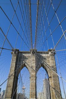 Free Brooklyn Bridge S Arches Stock Photography - 6876892