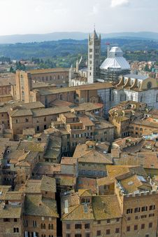 Free A View Of Baptistry Trought The Mangia S Tower Stock Images - 6878024