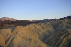 Free Sun Set Over The Mountains Around Death Valley Royalty Free Stock Images - 6878149