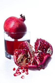 Free Pomegranate Fruits And Juice Royalty Free Stock Photo - 6879735