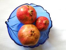 Free Fresh Pomegranate Royalty Free Stock Image - 6881056