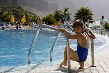 Free Child Swimming Royalty Free Stock Photos - 6883228