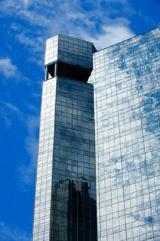Free An Image Of A Glass High Rise Stock Photography - 6885922