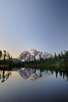 Free Mt Shuksan After Sunset Stock Photo - 6887000