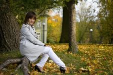 Free Young Woman In Autumn Park Royalty Free Stock Photos - 6888458