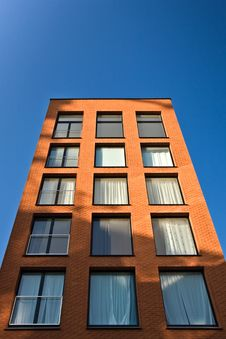 Free Brick Building Blue Sky Royalty Free Stock Photography - 6889027