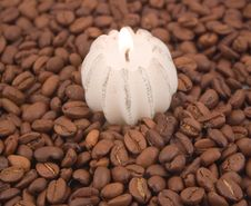 Free Coffee Grains And Burning Stock Images - 6893334