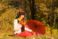 Free Young Woman In The Autumn Park Stock Photos - 6894493