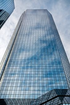 Free Skyscrapers Royalty Free Stock Photos - 6895708