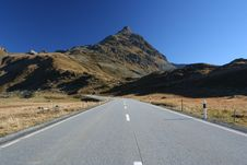 Free Road To The Alps Royalty Free Stock Photos - 6897028